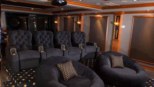 Mẫu thiết kế phòng phim giải trí gia đình 036